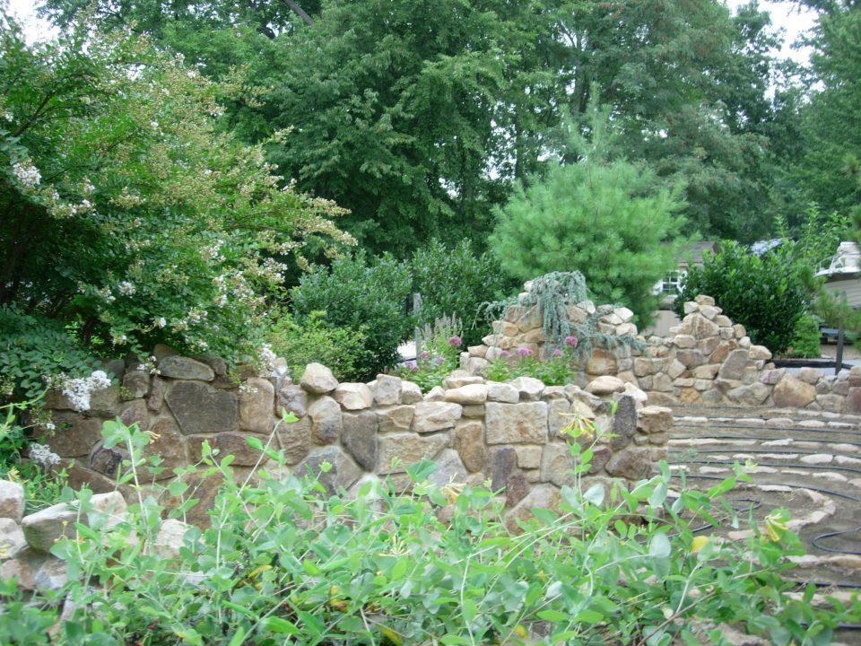 Ruin Garden Labyrinth | Greener Gardens